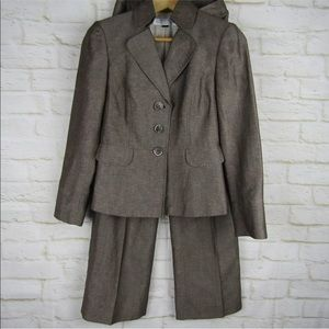 Tahari Pant Suit 2P Brown Jacket Brown Pants